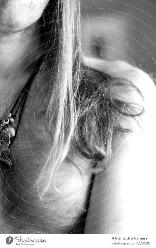 H Mensch Mann schön Erwachsene nackt Haare & Frisuren Körper blond Haut maskulin Coolness Körperhaltung Brust Schmuck langhaarig anonym