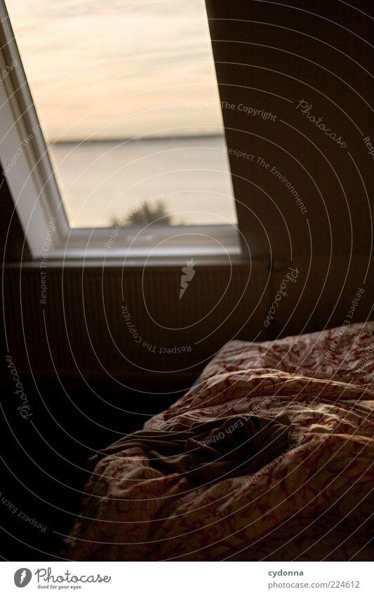 Zurückgelassen Erholung ruhig Häusliches Leben Wohnung Bett Raum Schlafzimmer Landschaft Sonnenaufgang Sonnenuntergang See Fenster stagnierend Fensterblick