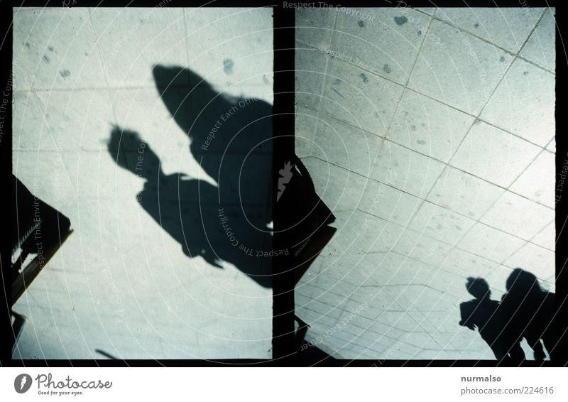 2mal 2 Schattig ins neue Jahr Mensch dunkel Gefühle Stil Bewegung Glück Wege & Pfade Paar Kunst Zusammensein laufen Platz Lifestyle paarweise Spaziergang Team