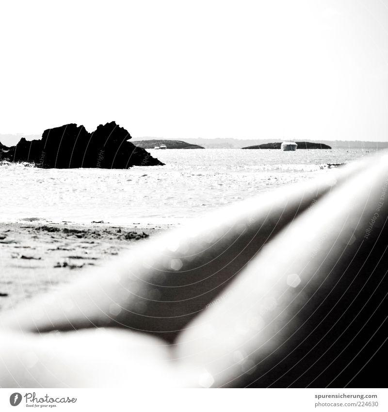 Glitzerwasser Mensch Jugendliche Sonne Meer Strand ruhig Ferne Erholung feminin Leben Freiheit Beine Wellen Haut ästhetisch Tourismus