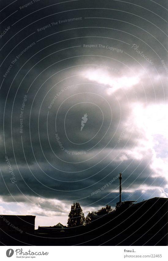Regenhimmel Himmel Wolken Haus Dach Stadtteil Regenwolken