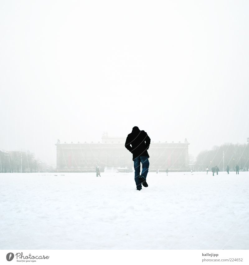 alles auf anfang Mensch Mann weiß Stadt Winter Erwachsene Schnee Berlin Gebäude Eis Park gehen Nebel maskulin Frost Spaziergang