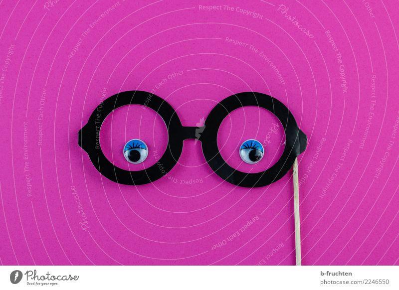 feminin Frau Erwachsene Gesicht Auge Brille Papier beobachten Blick frech Fröhlichkeit rund rosa Zufriedenheit selbstbewußt Idee Identität Requisit Geschlecht
