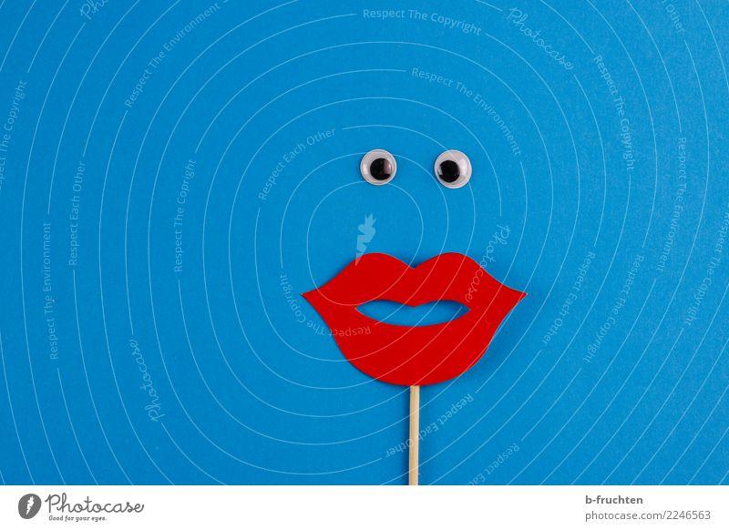 Oh! Karneval Frau Erwachsene Gesicht beobachten Liebe Blick frech Neugier feminin blau rot Überraschung Idee Inspiration Auge Requisit Kussmund Mund Klischee