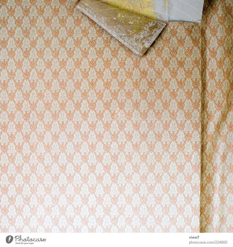 Zeit für den Wechsel alt kalt Wand Raum elegant Design Innenarchitektur kaputt retro einzigartig Dekoration & Verzierung Vergänglichkeit Kitsch Tapete Vergangenheit Verfall