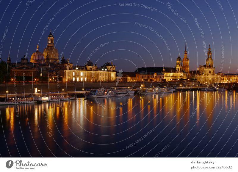 Panorama Dresden Nacht alt blau Stadt Architektur gelb Gebäude Deutschland glänzend Kirche gold ästhetisch Idylle Europa Abenteuer Hoffnung Sehenswürdigkeit