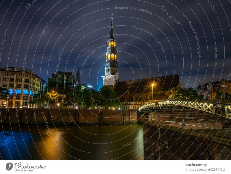 Hauptkirche St. Katharinen blau Stadt Wasser schwarz gelb Europa Hamburg Nachtaufnahme Hansestadt