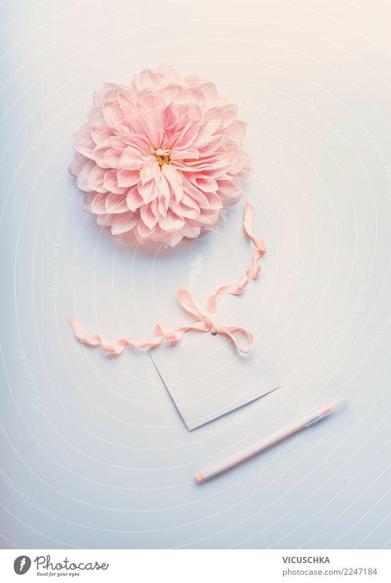 Grußkarte mock up mit schöner Blume und Marker Stil Design Schreibtisch Party Veranstaltung Feste & Feiern Valentinstag Muttertag Hochzeit Geburtstag