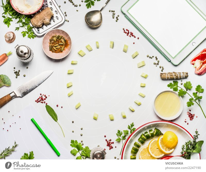 Moderne Küche mit Tablet Gesunde Ernährung Speise Foodfotografie Gesundheit Hintergrundbild Stil Lebensmittel Design modern Technik & Technologie Computer