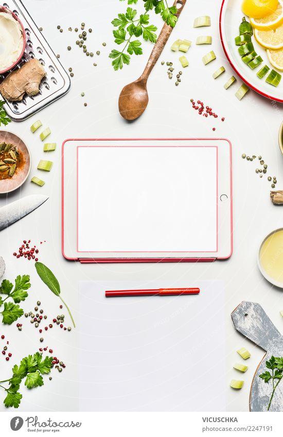 Gesunde Lebensmittel und Tablet on weiße Table Gesunde Ernährung Foodfotografie Essen Gesundheit Hintergrundbild Stil Design modern Tisch Computer kaufen Papier