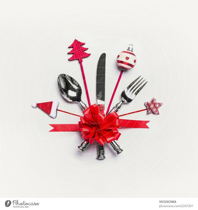 Weihnachtsgedeck mit Besteck, roter Schleife und Dekoration Weihnachten & Advent Stil Feste & Feiern Party Design Dekoration & Verzierung Zeichen Restaurant