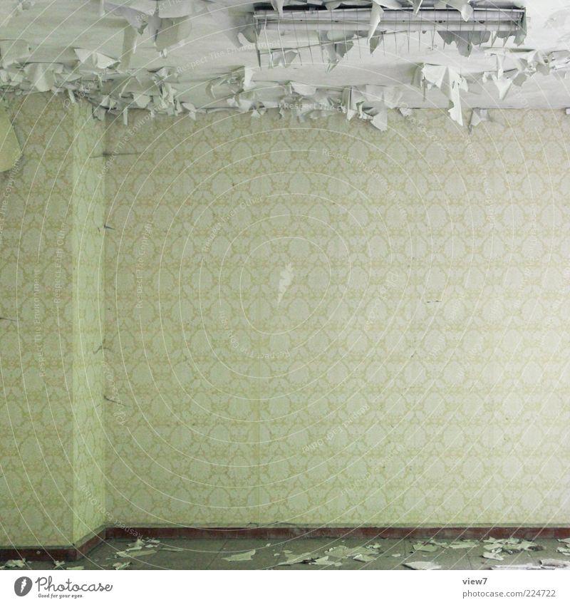 Zimmerecke Dekoration & Verzierung Lampe Tapete Raum Mauer Wand Beton Zeichen alt kaputt klein oben rebellisch Klischee ästhetisch Genauigkeit Nostalgie