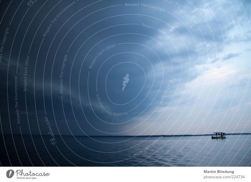 Gute Reise! Natur blau Wasser Ferien & Urlaub & Reisen Meer Ferne Umwelt dunkel See Luft Wasserfahrzeug Wetter außergewöhnlich Wind warten Abenteuer