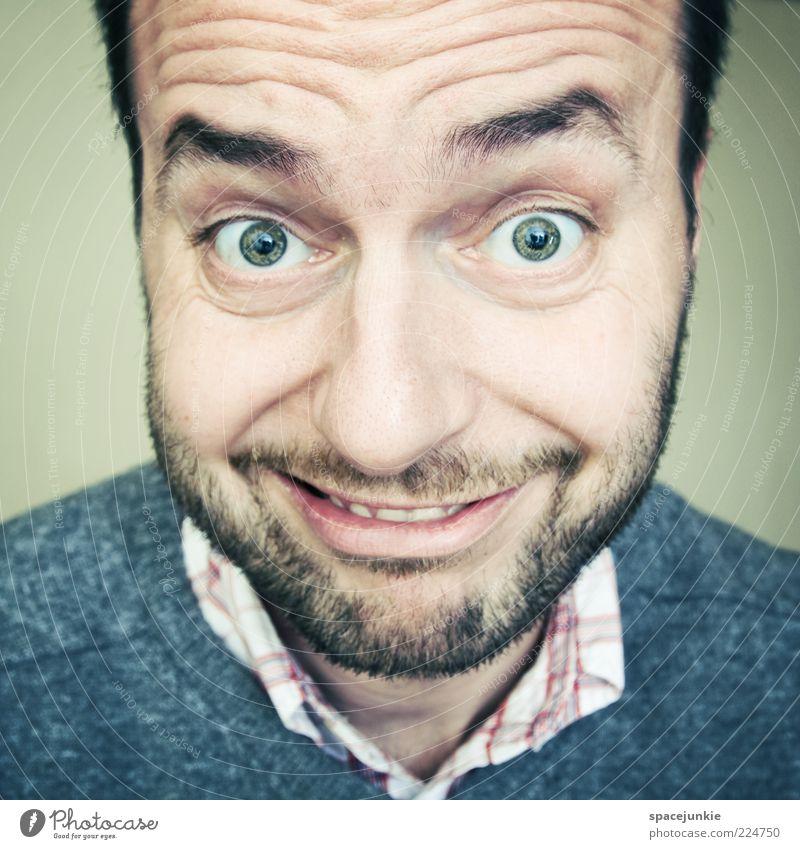 Staubsaugervertreter Mensch Erwachsene Auge Glück lustig maskulin verrückt außergewöhnlich niedlich Neugier Lächeln Bart skurril Lebensfreude grinsen Porträt
