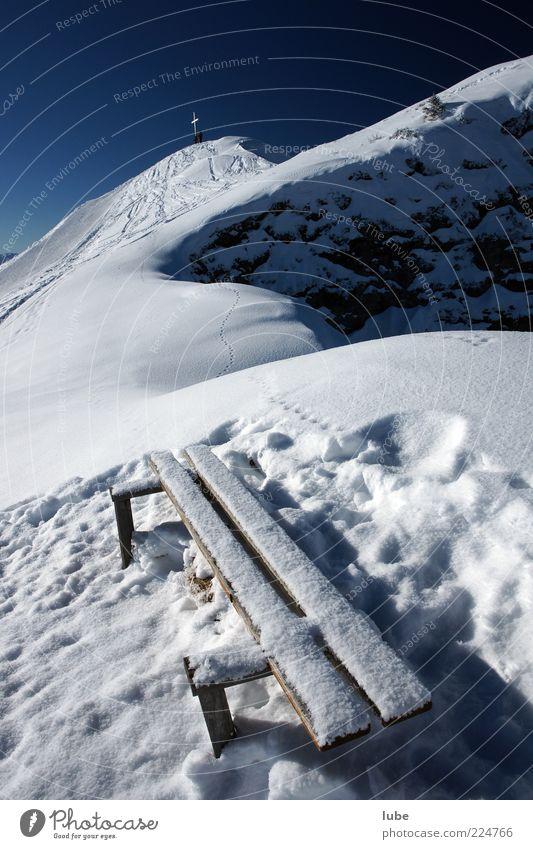 Bankgeheimnis Natur Ferien & Urlaub & Reisen Winter Ferne Erholung kalt Schnee Berge u. Gebirge Landschaft Umwelt Felsen Tourismus kaputt Bank Hügel Alpen