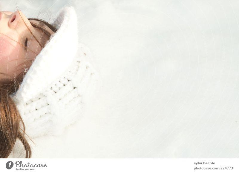 Tiefgekühltes Mensch Jugendliche weiß Winter Gesicht Auge Erholung Leben kalt Schnee feminin Umwelt Kopf Haare & Frisuren träumen Wetter
