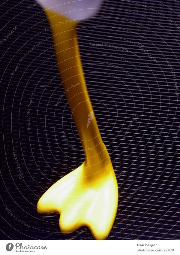 ostereierloeffel gelb Fuß Ostern obskur Ei Ente Haushuhn Löffel