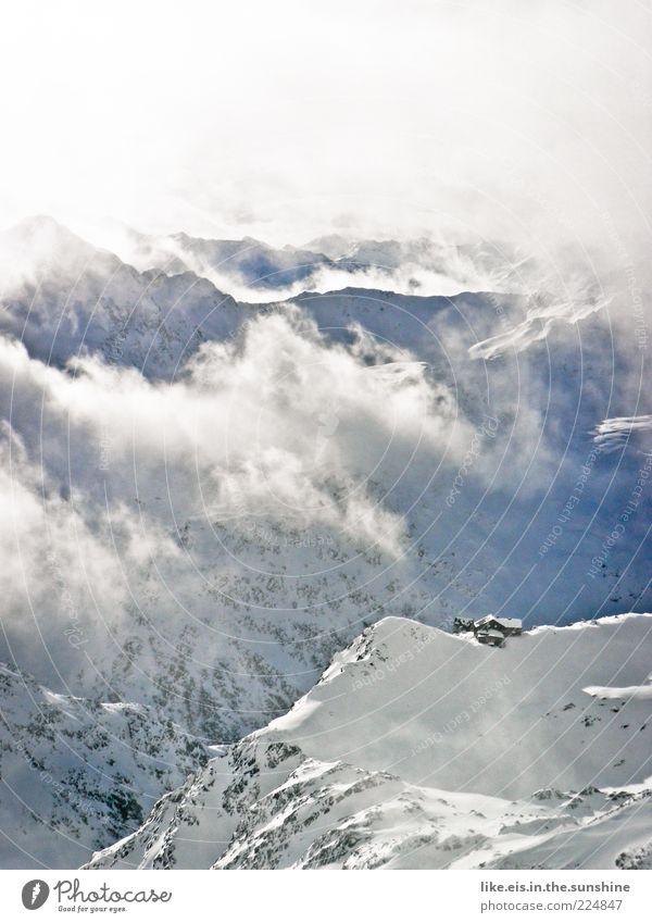 einsame berghütte mitten im nichts II Erholung ruhig Ferien & Urlaub & Reisen Ausflug Winterurlaub Berge u. Gebirge Natur Landschaft Wolken Schönes Wetter Nebel