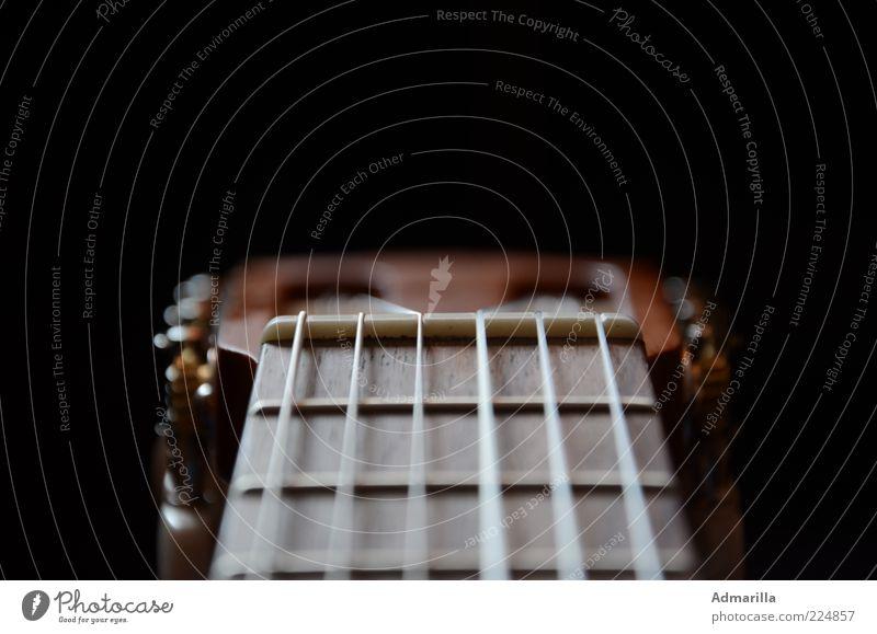 Sechs Saiten Freizeit & Hobby Musik Gitarre Musik hören Spielen frei Originalität braun schwarz Farbfoto Innenaufnahme Detailaufnahme Strukturen & Formen