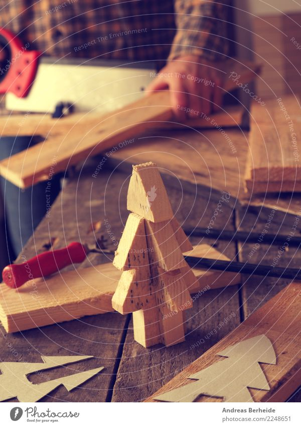 Weihnachtsdekoration Aus Holz   Ein Lizenzfreies Stock Foto Von Photocase
