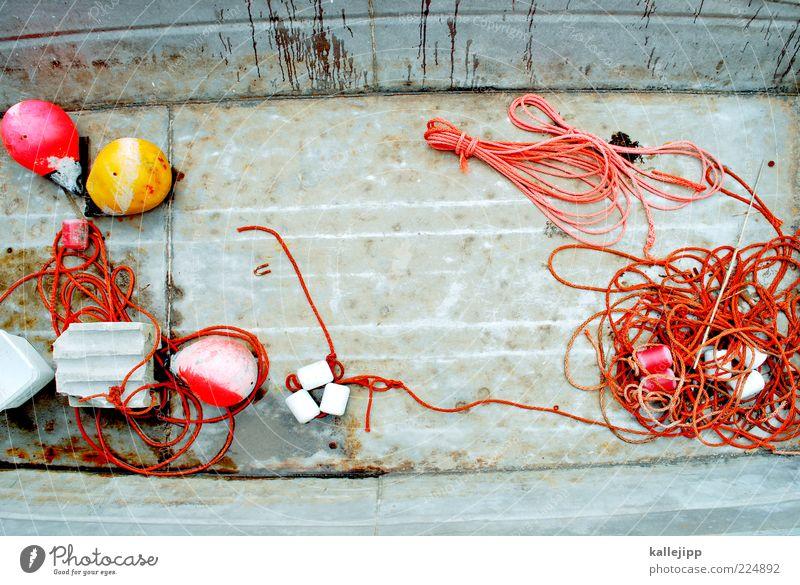 leinen los! alt Arbeit & Erwerbstätigkeit Metall Wasserfahrzeug orange Seil Schnur Stahl Schifffahrt Eisen verwittert Gummi Fischereiwirtschaft Ruderboot Fischerboot Boje