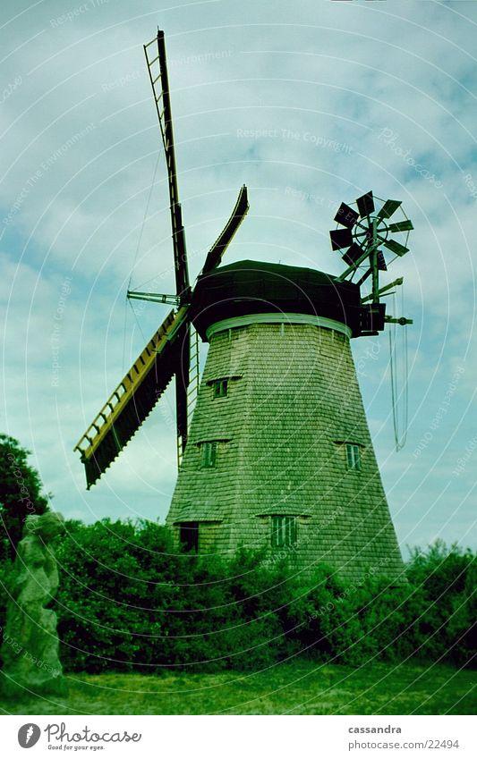 Windmühle Wind Insel Vergangenheit Bauwerk historisch Mehl Mühle Windmühle