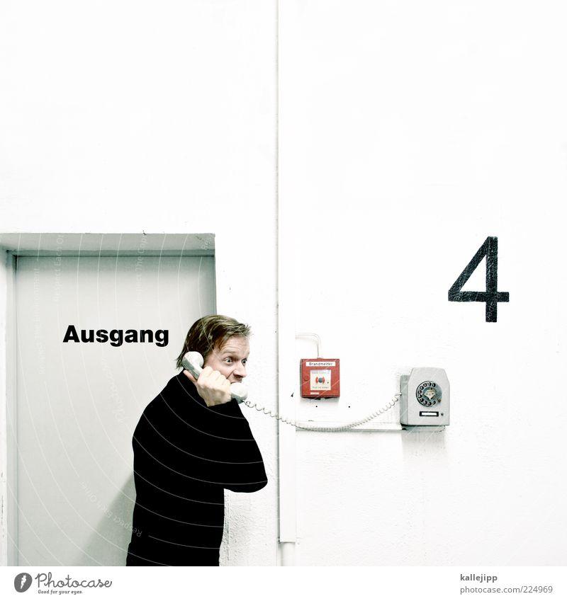 vierbindung Mensch Mann weiß Wand sprechen Erwachsene Tür maskulin Telefon Hilfsbereitschaft Technik & Technologie Telekommunikation Ziffern & Zahlen 4