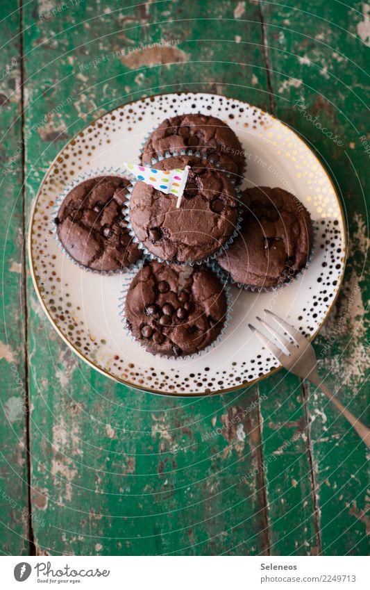 Schoko Schoko Schoko Lebensmittel Kuchen Dessert Süßwaren Muffin Ernährung Essen Kaffeetrinken Bioprodukte Diät Teller Gabel Kuchengabel genießen lecker süß