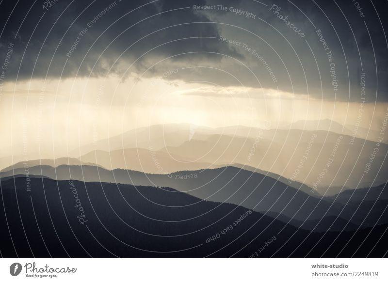 Gewitter Wolken Gewitterwolken Regen Hügel Felsen Alpen Berge u. Gebirge wandern ungemütlich Gewitterregen Schichtarbeit Ebene Farbfoto