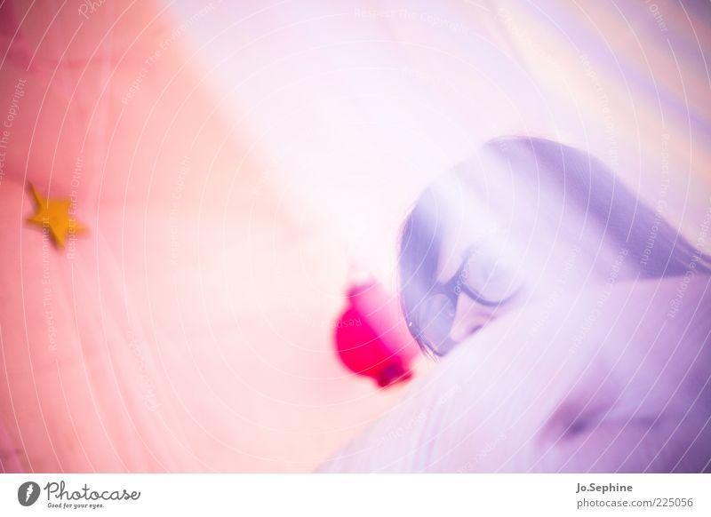 daydreamer Junge Frau Jugendliche Kopf 1 Mensch 18-30 Jahre Erwachsene Brille träumen Kitsch rosa sanft Schleier verträumt Brillenträger nerdig Gedeckte Farben