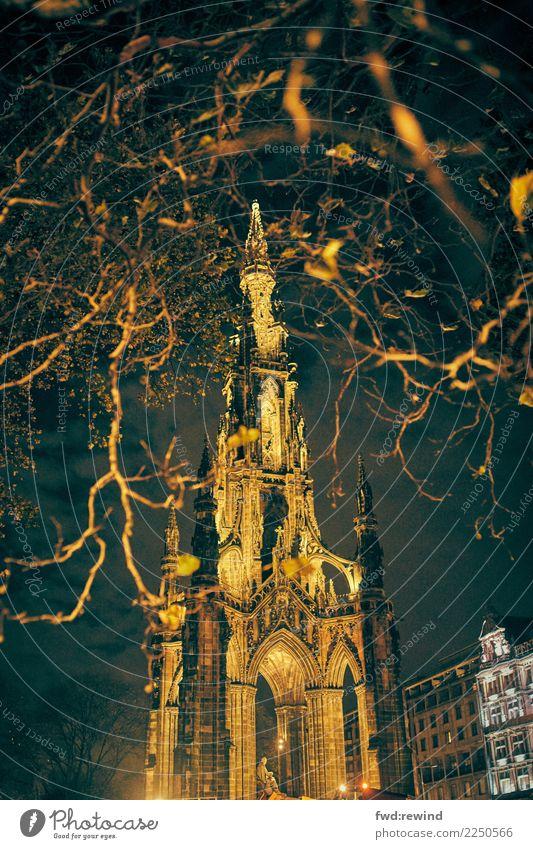 Scott Monument Ferien & Urlaub & Reisen Tourismus Ausflug Sightseeing Städtereise Architektur Stadt Hauptstadt Stadtzentrum Bauwerk bedrohlich Bekanntheit