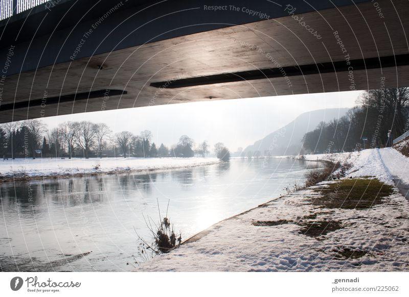 Weserbrücke sehen... und sterben? Natur Wasser ruhig Einsamkeit kalt Schnee Umwelt grau Wege & Pfade hell Wetter Eis glänzend Brücke Frost Fluss