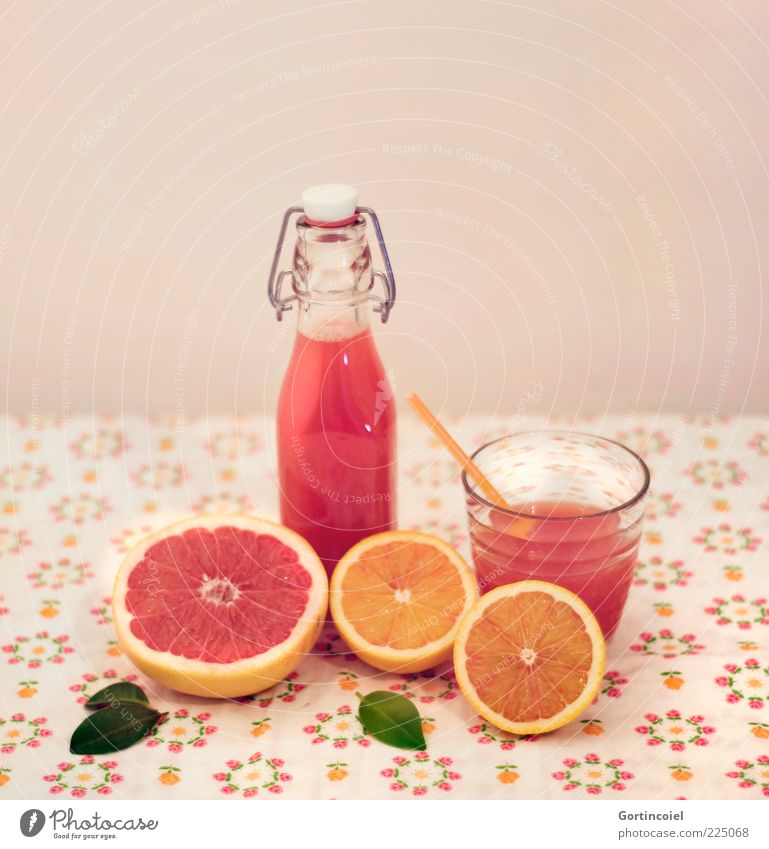 Juicy Fruit Gesundheit Glas Frucht Orange Lebensmittel frisch Ernährung Getränk Erfrischung lecker Flasche Stillleben Bioprodukte saftig Tischwäsche Saft