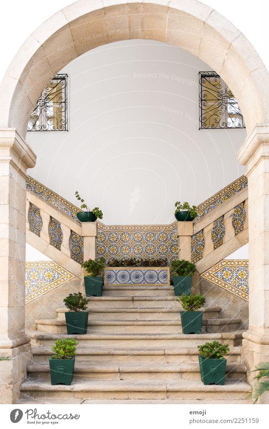 Guimarães Dorf Haus Traumhaus Palast Architektur Mauer Wand Treppe Fassade Sehenswürdigkeit exotisch Mosaik Fliesen u. Kacheln Farbfoto Außenaufnahme