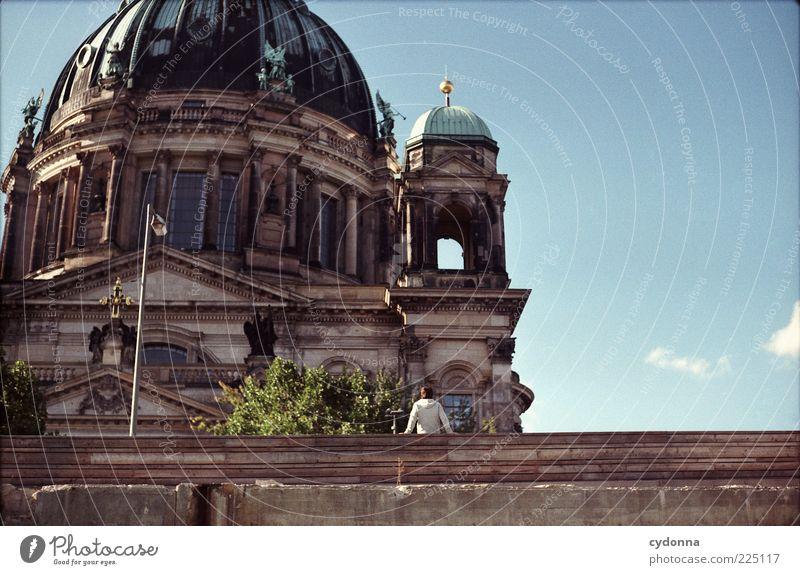Sightseeing Himmel Ferien & Urlaub & Reisen ruhig Leben Berlin Architektur Religion & Glaube Ausflug Tourismus Pause einzigartig analog Tourist Berlin-Mitte Dom