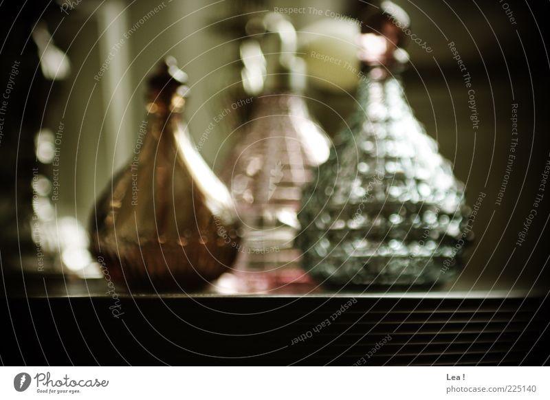 Schärfegrad blau Farbe braun rosa Glas Tisch retro außergewöhnlich Flasche Duft Parfum Glasflasche