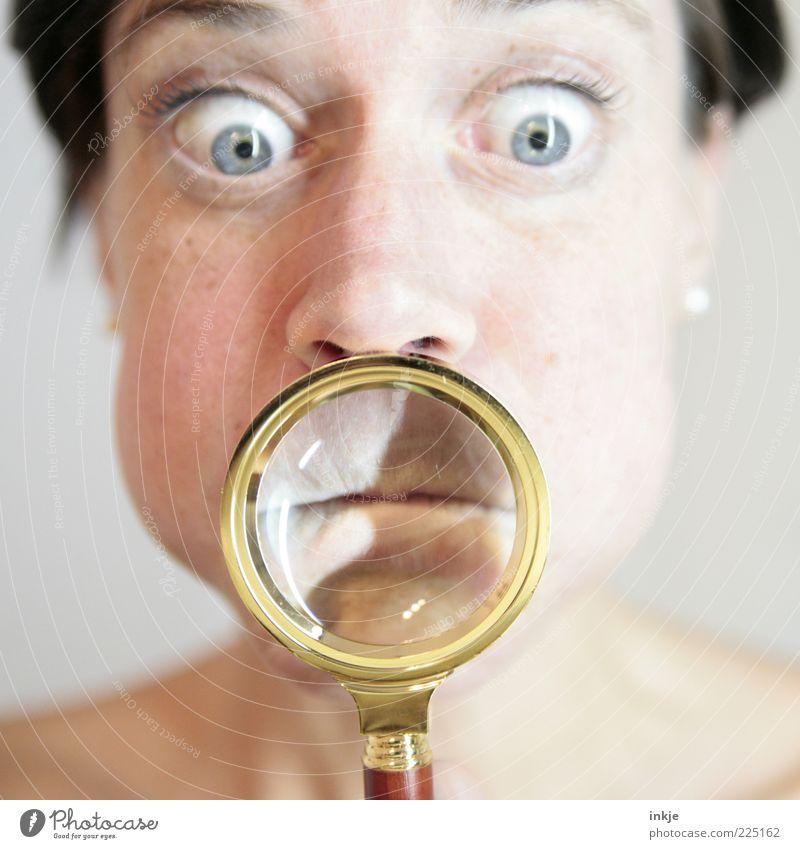Bitte! Sagen Sie jetzt nichts! Freude Gesicht Übergewicht Wissenschaften sprechen Mensch Auge Lupe verrückt trashig Entsetzen Stress verstört Ekel Erwartung