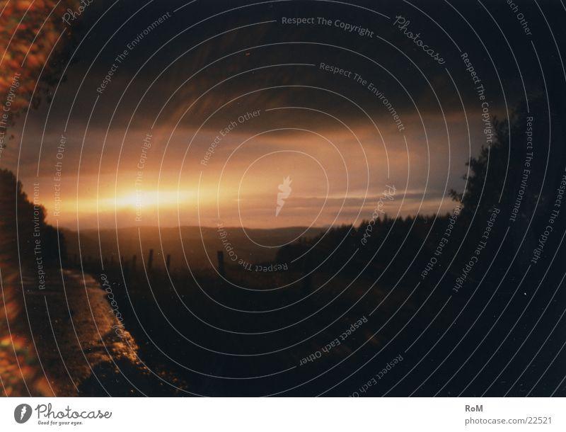 GutenAbend3 Wolken Sonnenuntergang Berge u. Gebirge Himmel