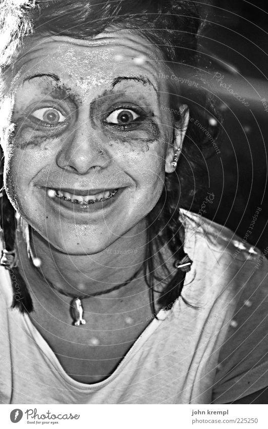 Nosferempl Mensch Auge Kopf verrückt Coolness gruselig Schminke trashig bizarr Freak grinsen Punk Grimasse Zopf Halloween Spiegelbild