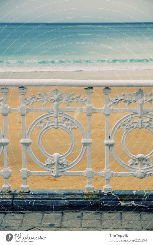 Playa de la Concha weiß Strand Ferien & Urlaub & Reisen Meer Erholung Horizont Geländer Spanien Eisen Fernweh Pflastersteine Promenade Atlantik Meerwasser Gefühle Stimmung