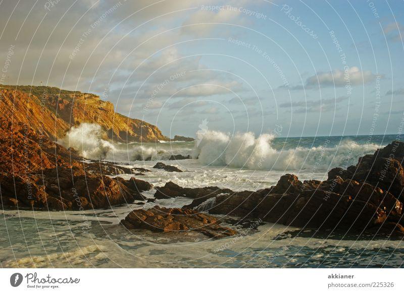 Brandung Himmel Natur blau Meer Landschaft Wolken Umwelt Berge u. Gebirge Reisefotografie Küste Stein natürlich hell Felsen braun Wellen