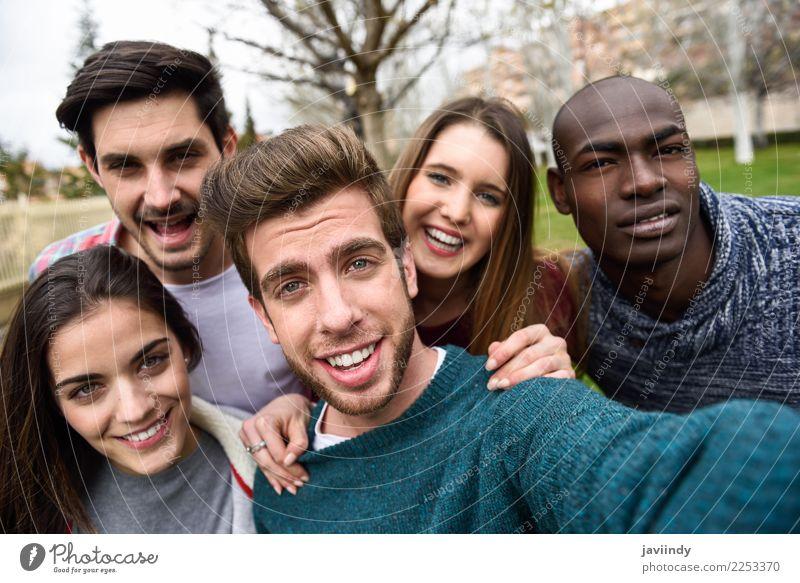 Frau Mensch Ferien & Urlaub & Reisen Jugendliche Mann Junge Frau schön Junger Mann Freude 18-30 Jahre Straße Erwachsene Lifestyle Gefühle lachen Glück