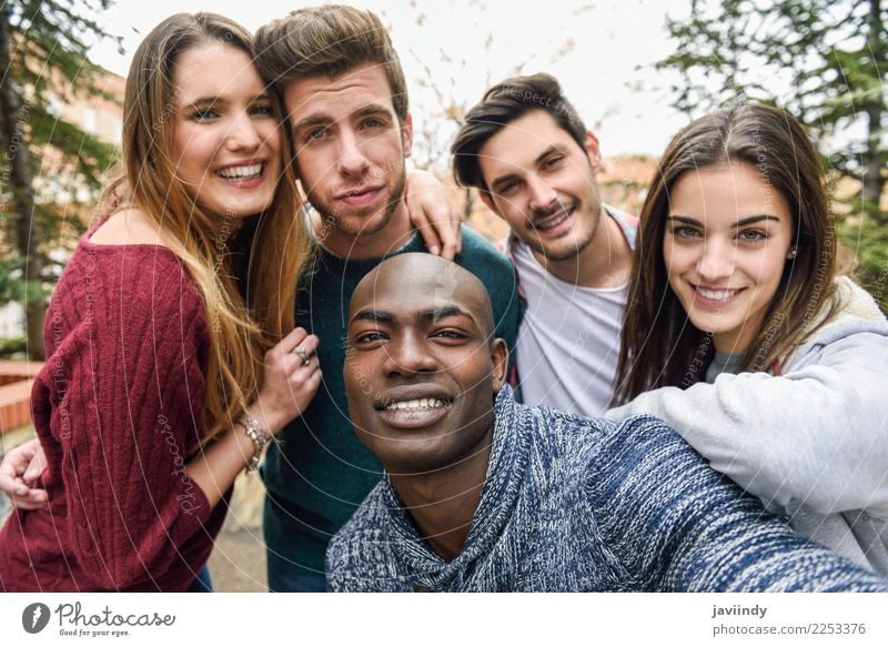 Frau Mensch Ferien & Urlaub & Reisen Jugendliche Mann Junge Frau schön Freude 18-30 Jahre Straße Erwachsene Lifestyle lachen Glück Menschengruppe Freundschaft