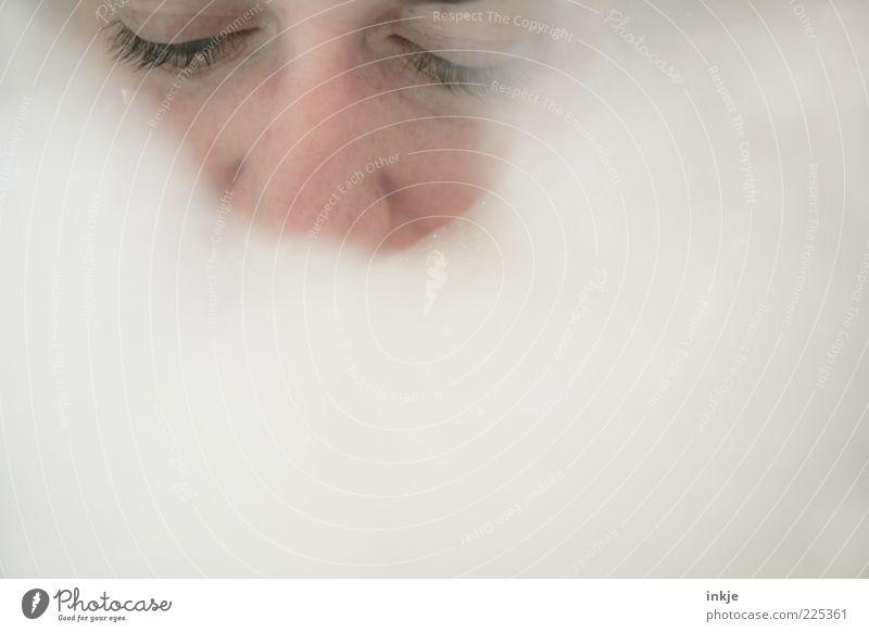 Schaumbart aus Schaumbad Mensch weiß ruhig Gesicht Auge Erholung Leben Gefühle Denken träumen Stimmung hell Schwimmen & Baden Pause Wellness Badewanne