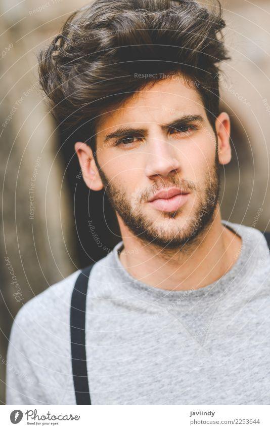 junger Mann mit moderner Frisur Lifestyle Stil Haare & Frisuren Sommer Mensch maskulin feminin Junger Mann Jugendliche Erwachsene Gesicht 1 18-30 Jahre Herbst