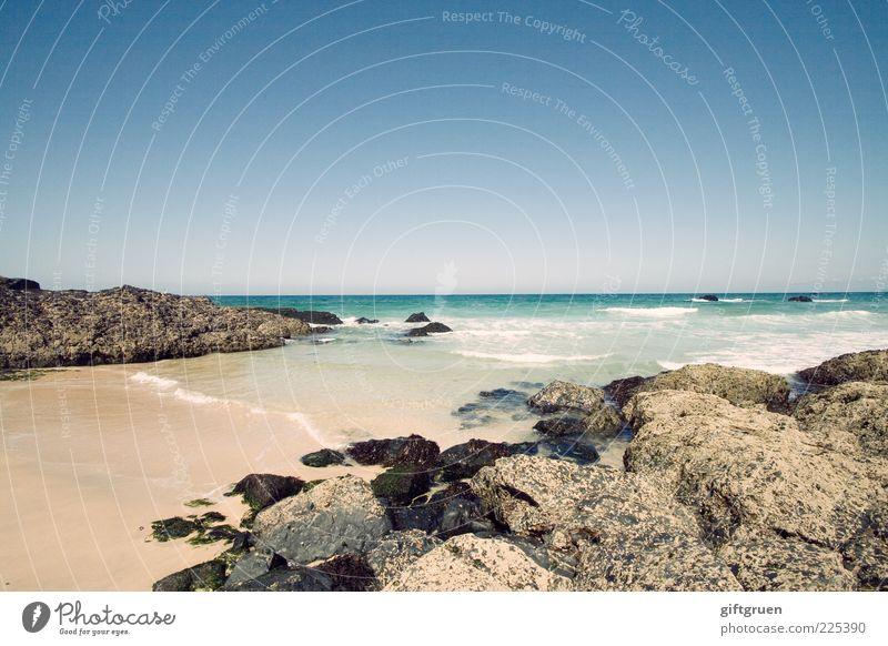 badeplätzchen Umwelt Natur Landschaft Urelemente Sand Wasser Himmel Wolkenloser Himmel Horizont Sonne Sommer Wetter Schönes Wetter Felsen Wellen Küste Strand