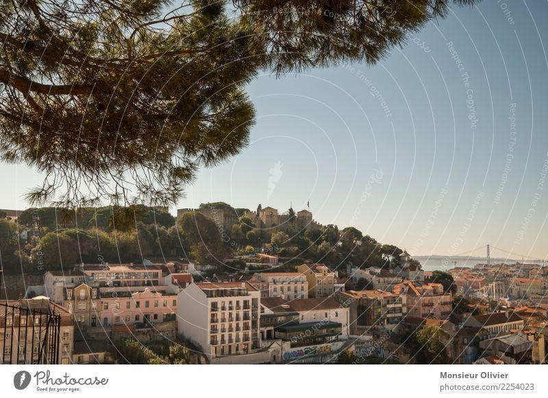 Lissabon Portugal Europa Stadt Stadtzentrum Altstadt bevölkert Haus Sehenswürdigkeit Miradouro da Graça Ferien & Urlaub & Reisen Tourismus Aussicht Reisefieber