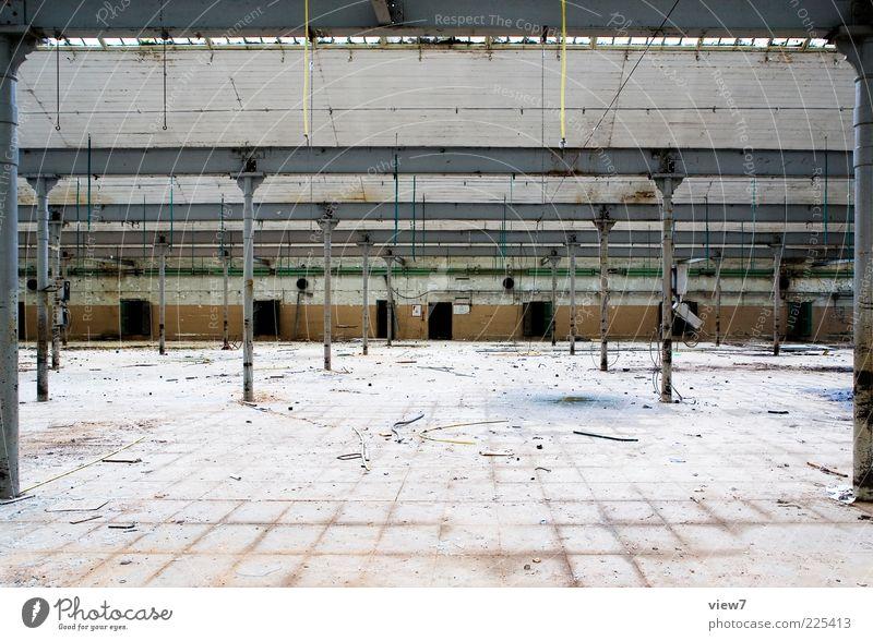Raum für ALLES alt Einsamkeit Wand Architektur Mauer Gebäude Linie Metall Fassade groß einzigartig Fabrik Vergänglichkeit Bauwerk Vergangenheit