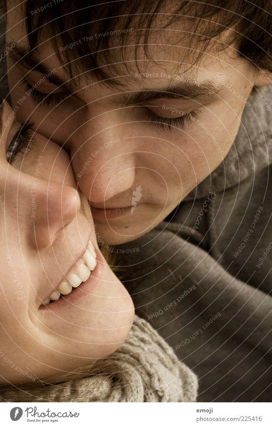 Kuschelrock maskulin feminin Junge Frau Jugendliche Junger Mann Paar Kopf Gesicht 2 Mensch 18-30 Jahre Erwachsene schön Verliebtheit Liebe Lächeln Glück