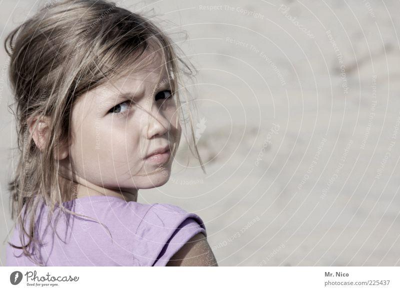 333....ein blick zurück Mädchen Haare & Frisuren Gesicht Sommer blond langhaarig beobachten schön natürlich Neugier Traurigkeit Schüchternheit Misstrauen